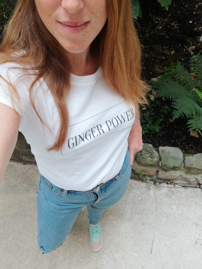 Ginger Power, un des modèles de la ligne de t-shirts développée par Alexia, du blog Alerte Rousse